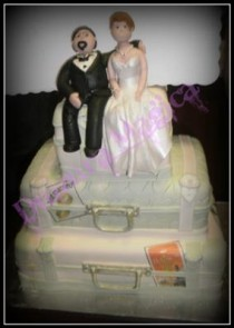 i-promise-to-travel-with-you-wedding-cake-21284977